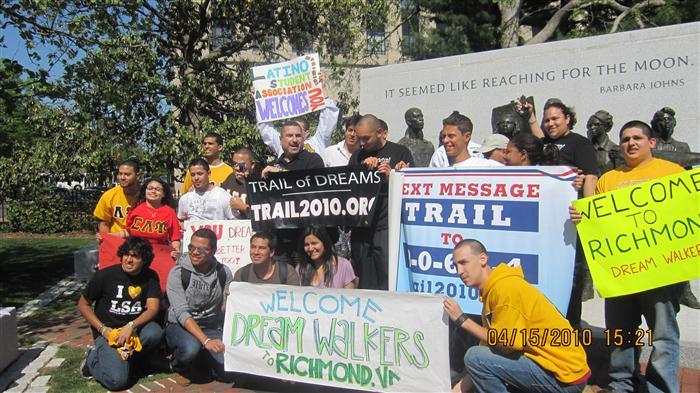 Group photo near the VA War Memorial