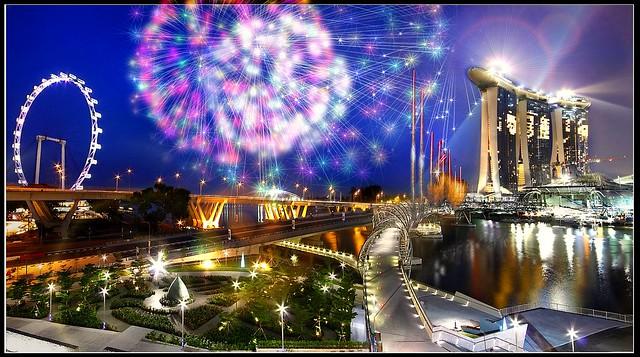 Singapore YOG :CLOSING CEREMONY FIREWORK: MBS