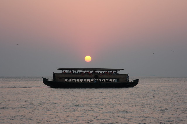 Kerala-Cruise-Sunset cruise in Cochin