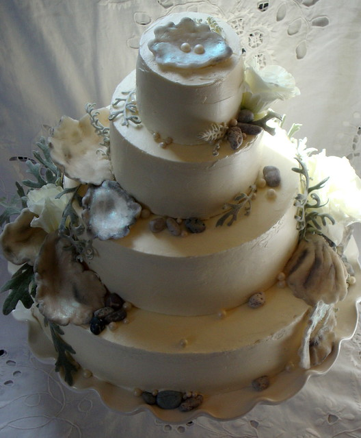 Wedding Cake Shell Piping Side View