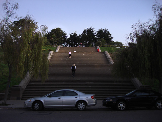 Morning exercisers on steps at Alta Plaza; Pacific Heights, San Francisco (2009)