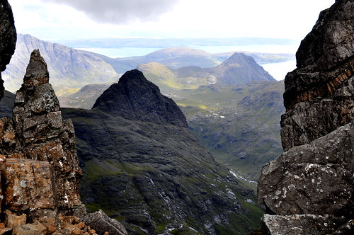 mountains scotland highlands nikon isleofskye ridge climbing munro cuillin d5000