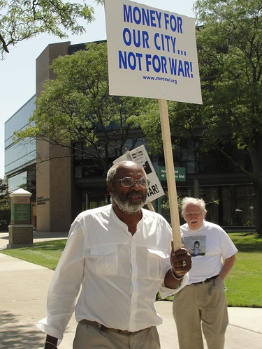 Abayomi Azikiwe, editor of the Pan-African News Wire, covering the demonstration outside the Community Arts Auditorium at Wayne State University in Detroit during the visit by Admiral Mullen on August 26, 2010. (Photo: Bryan Pfeifer) by Pan-African News Wire File Photos