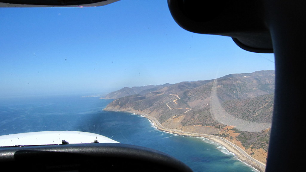 runway one two  flying to camarillo  kcma