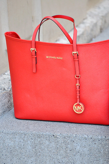 valencia something fashion blogger spain influencer streetstyle michael kors tote bag blazer rayban_0020