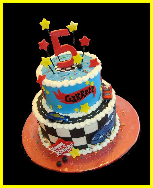 Images Of Hot Wheels Cake : Hot Wheels cake for Garrett Flickr - Photo Sharing!