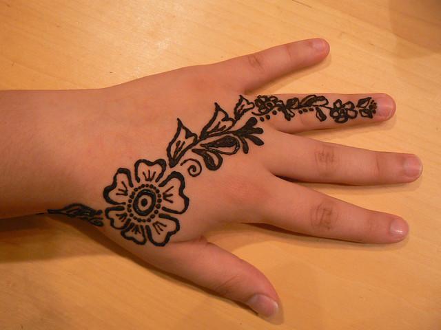 A To Z Mehndi Designs : Henna hand design flickr photo sharing
