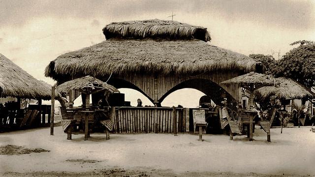 bar palapa en Atacames, Ecuador (1997)