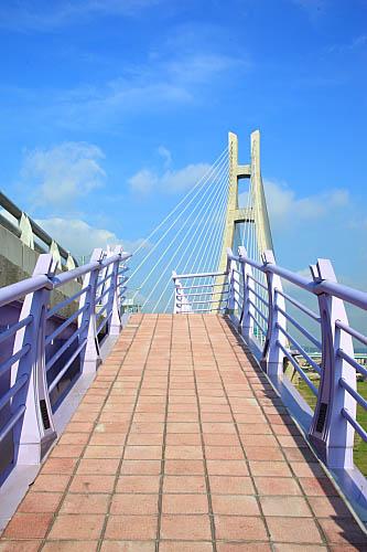 039J二重疏洪道斜張橋-自行車引道