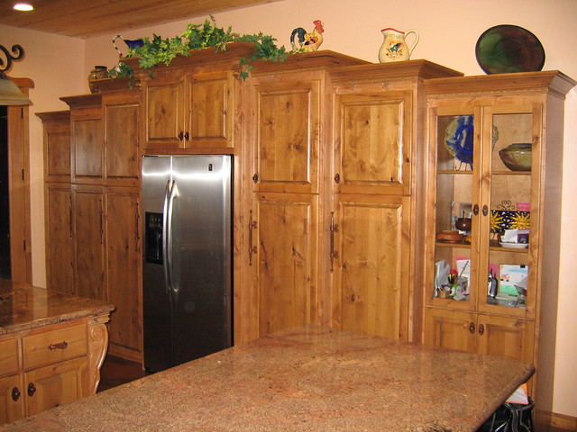 Knotty alder kitchen cabinets flickr photo sharing for Alder kitchen cabinets