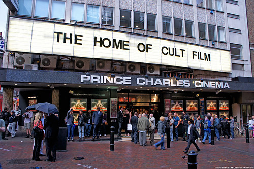 Psychosis Premiere: Crowds start gathering @ The Prince Charles Cinema for the Psychosis Premiere