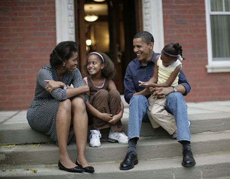 obama & family.jpg