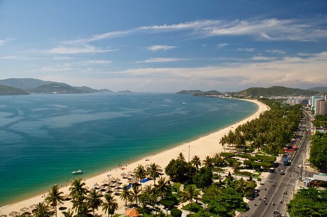Nha Trang coast by CC user jywhite on Flickr