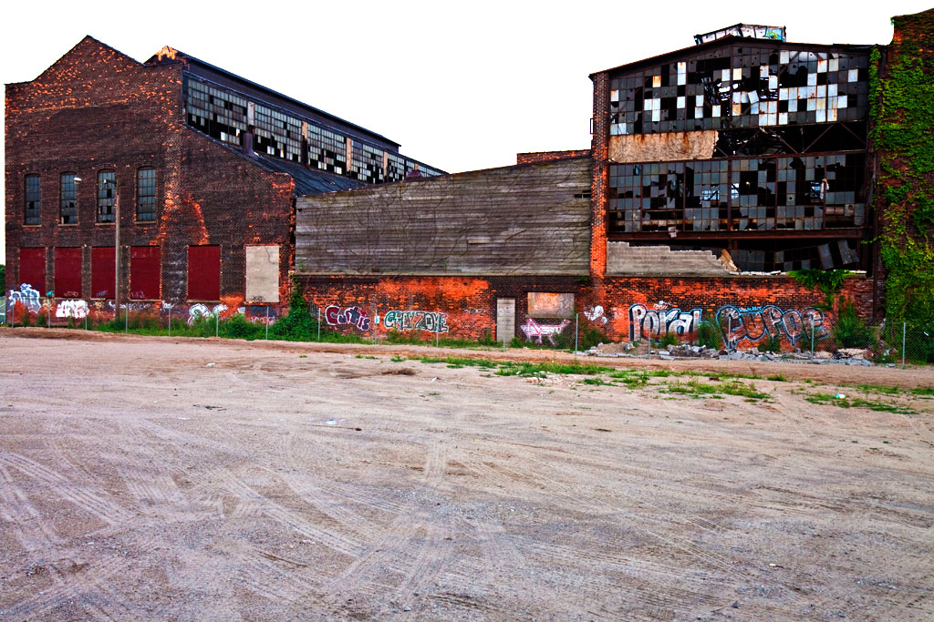 Abandoned-factory--Detroit-2