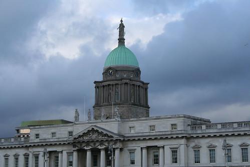 2010.02.26 Dublin 26 City Quay 08 The Custom House