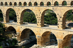 devil's bridge(0.0), amphitheatre(0.0), ancient roman architecture(1.0), arch(1.0), ancient history(1.0), aqueduct(1.0), landmark(1.0), architecture(1.0), arch bridge(1.0), viaduct(1.0), bridge(1.0),