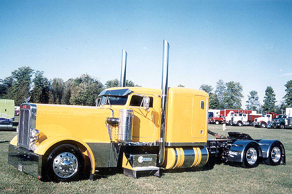 1984 Peterbilt 359 Custom longnose - a photo on Flickriver