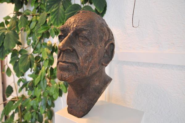 Busto y cara de Alvar Aalto