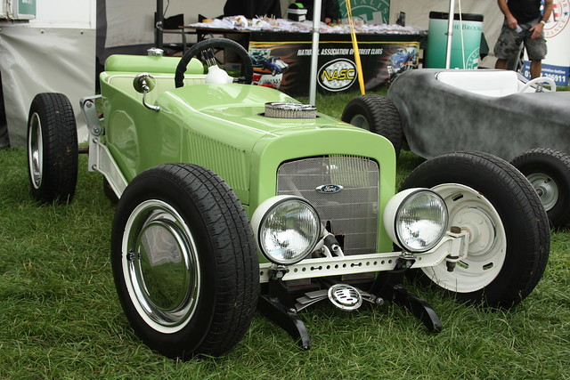 Rat Rod Go Kart http://www.flickr.com/photos/triggerscarstuff/4938600929/