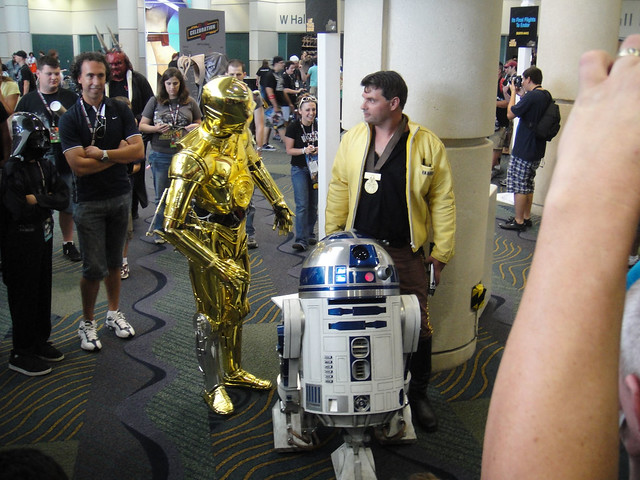 Star Wars Celebration V - C-3PO, R2-D2, and Luke Skywalker with his medal
