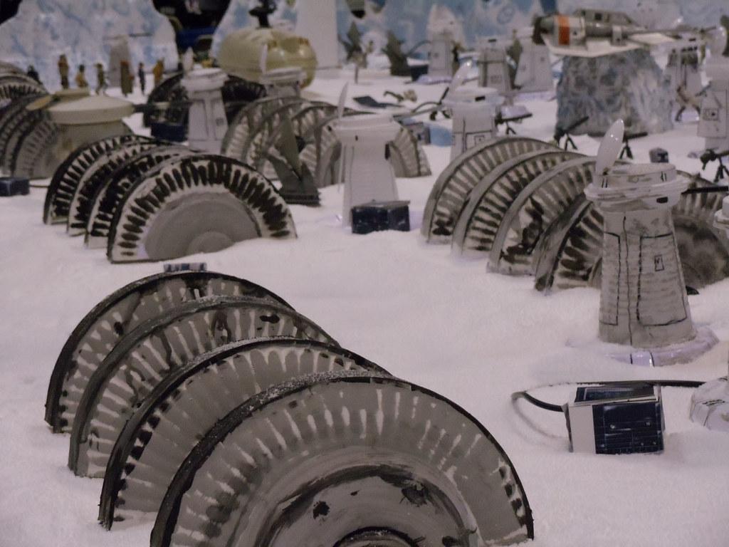 Star Wars Celebration V - Hoth Echo Base Battle diorama - power ...