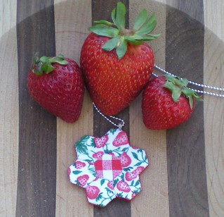 Berry Lovely Hexie Necklace