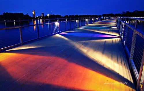 sunset summer lake color reflection night canon landscape eos downtown nightshot action iowa noflash ia desmoines walkingbridge 50d canon50d june2010 grayslakepark don3rdse