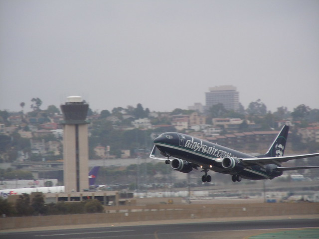N774AS - Boeing B737-800 Alaska Airlines take off from San Diego Lindbergh Field