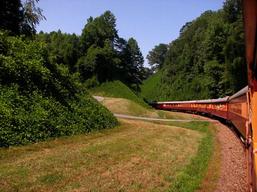 rural train northcarolina nantahala greatsmokymountainrailroad traintrip brysoncity