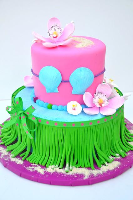 Hula Girl Cake Design : 4782442414_ed5ebcfc9a_z.jpg