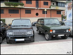 land rover discovery(0.0), automobile(1.0), automotive exterior(1.0), range rover(1.0), sport utility vehicle(1.0), family car(1.0), vehicle(1.0), compact sport utility vehicle(1.0), bumper(1.0), land vehicle(1.0), luxury vehicle(1.0),