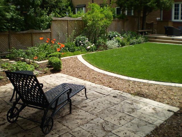 Backyard landscape design in richmond hill flickr for Small square garden ideas