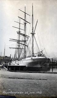 "Barken ""Atalanta"" av Lillesand ved Rosenborgkaien 26 juni 1915"