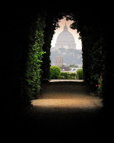 light rome roma love garden landscape cathedral vrt jardin catedral paisaje keyhole sanpietro katedrala pejzaž piazzadecavalieridimalta knightsofmaltasquare
