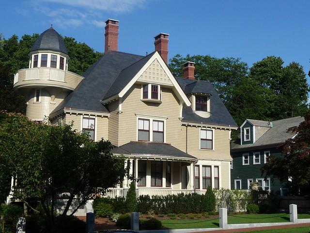 Avon Hill - Renovated residence on Walnut Avenue, Cambridge, MA