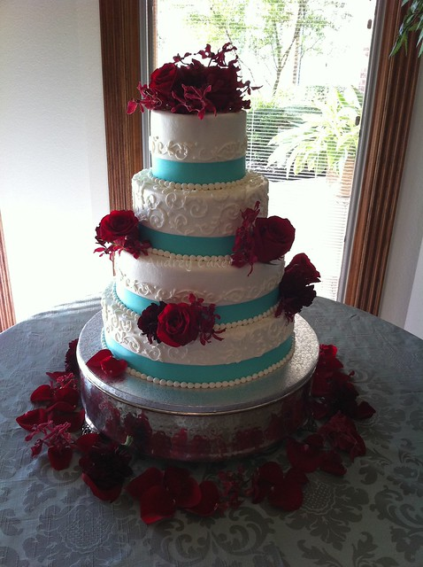 Aqua Red Wedding Cake Unlikely colors combine to beautifully accent this