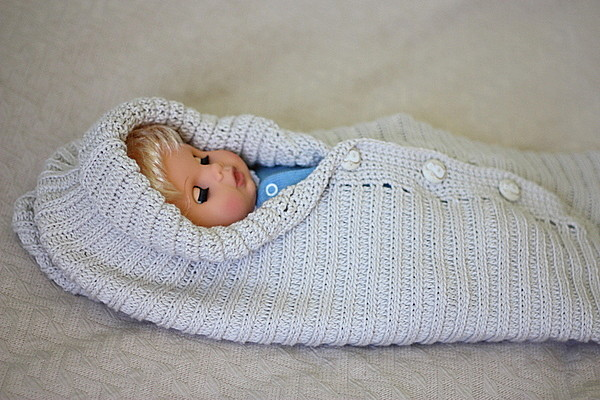 Free Baby Bunting Knitting Patterns : KNITTED BABY BUNTING PATTERNS   Free Patterns