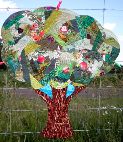 Project Quilting Log Cabin Entry - Apple Tree - Submittal