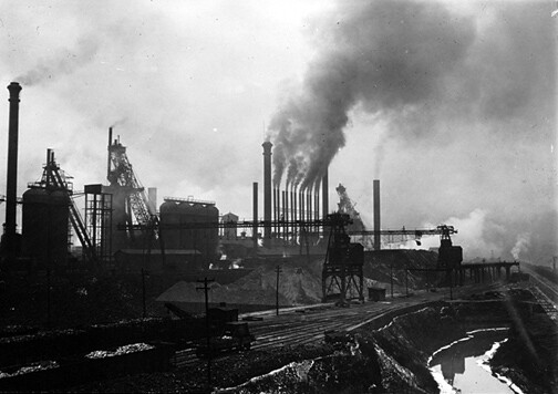 Steel works near Pittsburgh, by Lewis W. Hine 1909