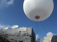 vehicle(0.0), aircraft(1.0), radio telescope(1.0), balloon(1.0), blue(1.0),