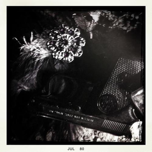 cameraphone ocean california sea summer blackandwhite bw usa cold art look night dark photography noche la mar photo interesting hurt texas foto shadows sad view arte heart photos alma contest central triste coastal fotos soul vista getty tele variety bandw mira corazón sombras frio dolor interesante buscando searching iphone oscuro fotografía fria oscura eeuu variedad negroyblanco negroblanco iphonography hipstamatic gettyportfolio darknightofthesoulhipstamaticcontestentry dsmnosall