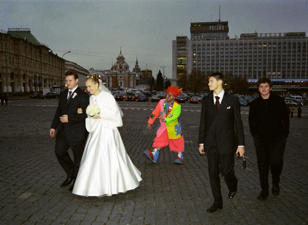 JJ Crashes Wedding(John Glick/Russia Clown Trip 2004)