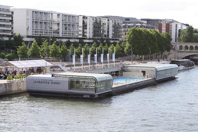 Piscine jos phine baker piscine port de la gare in for Piscine 75005