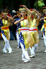 sports(0.0), samba(0.0), festival(1.0), carnival(1.0), event(1.0), performing arts(1.0), folk dance(1.0), entertainment(1.0), dance(1.0), costume(1.0),