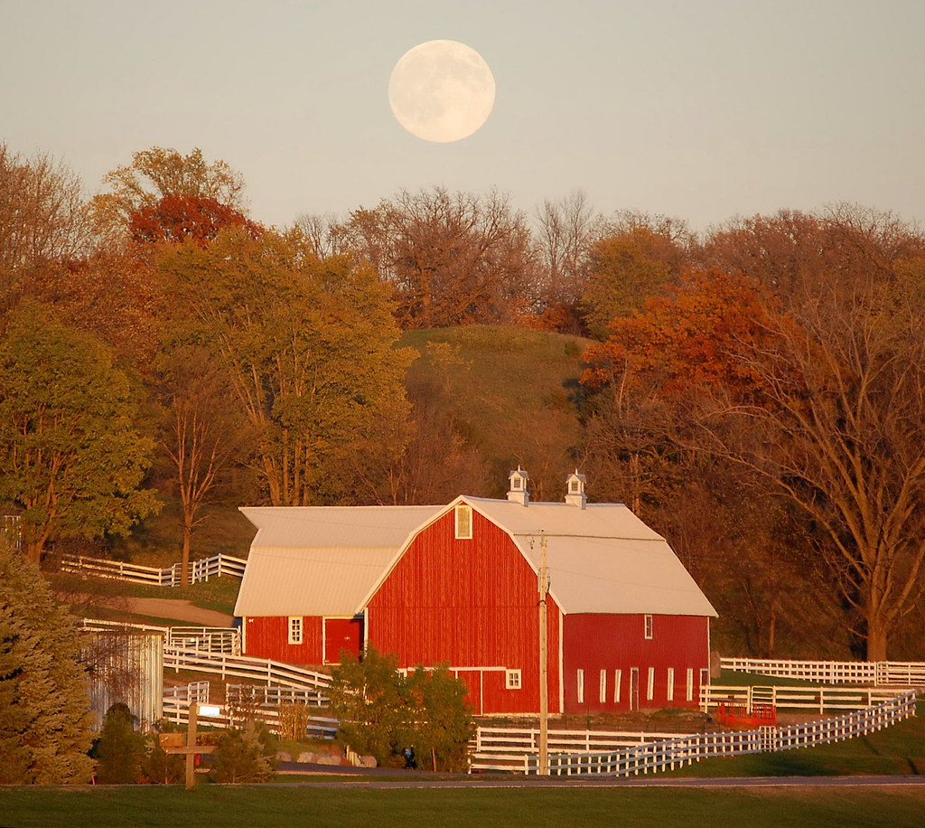 Faxon barn - moon2007-10-25_06-14-04