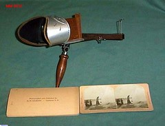 This design of Stereoscope viewer helped popularise the use of stereographs.