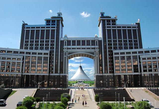 Khan Shatyr in Kazakhstan by Foster + Partners