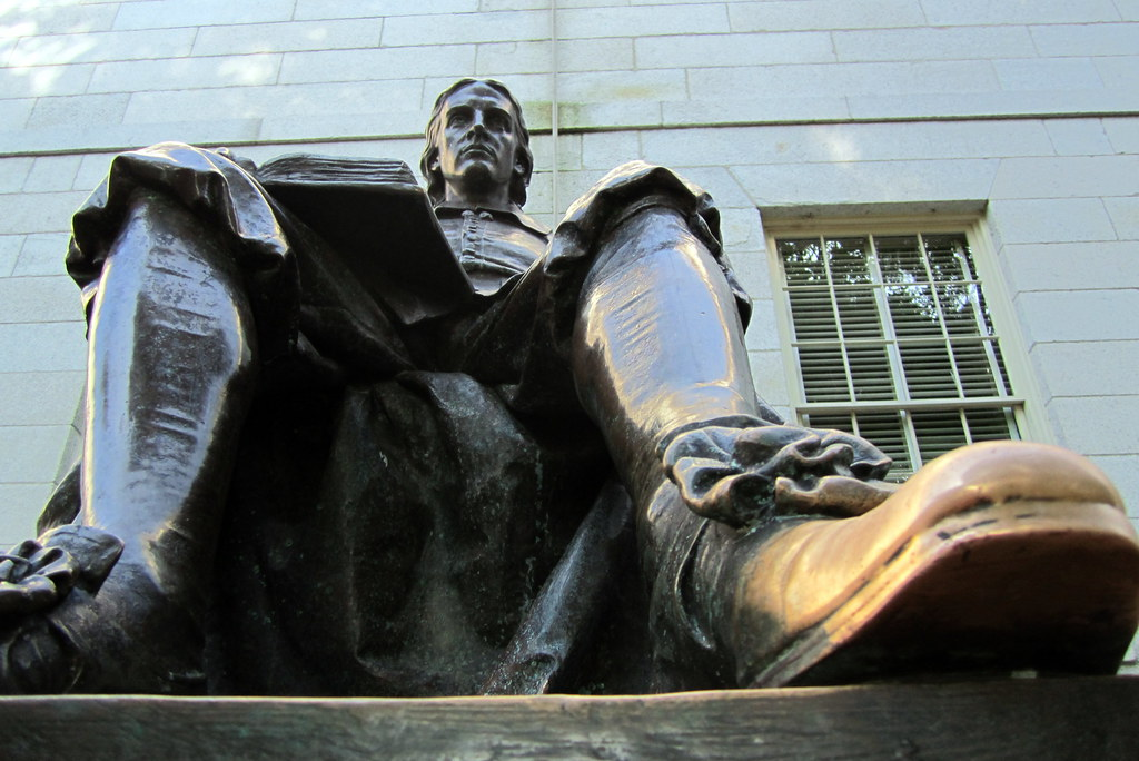 Cambridge - Harvard Square: Harvard University - John Harvard
