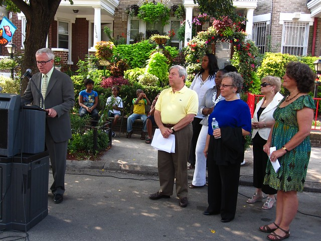 BBG president Scot Medbury announces the winners of the 2010 Greenest Block in Brooklyn contest.