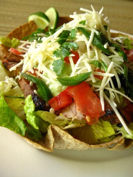Healthy SpicyTaco Salad with Grilled Pork
